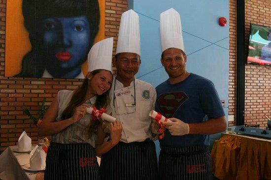 เดอะแลนเทิร์น รีสอร์ท ป่าตอง: Cooking class certificate