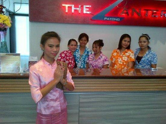เดอะแลนเทิร์น รีสอร์ท ป่าตอง: Our team of Receptionists