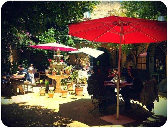 El Arriate: Jardín que se disfruta todo el año