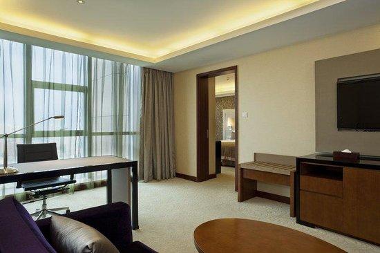 HaiWaiHai Crown Hotel: Suite