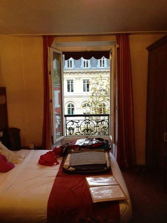 Hotel Terminus Lyon: Our 5th fl room