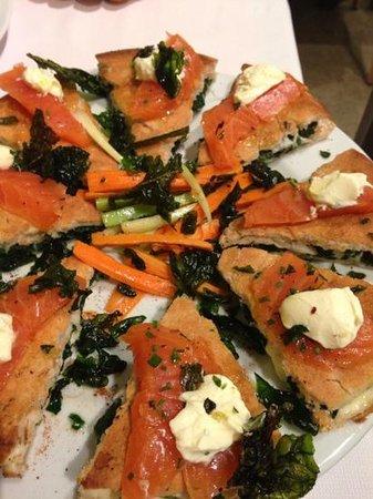 Sirani: pizza al salmone