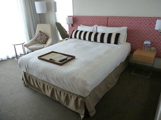QT Canberra: Room