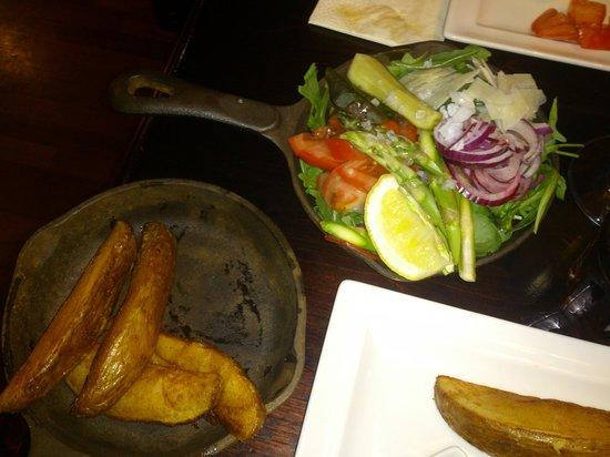 Harrys Pub & Restaurant: Tillbehör på Harrys