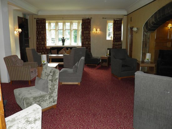 Stirk House Hotel: One of the lounge area's