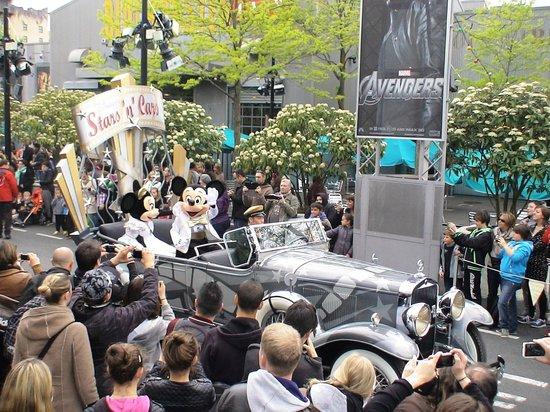 วอลต์ ดิสนีย์ สตูดิโอส์ ปาร์ค: Disney studios parade