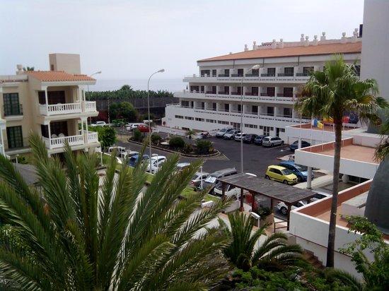 Sol La Palma Apartments by Melia: Vista desde la habitación. Zona de entrada a la recepción.