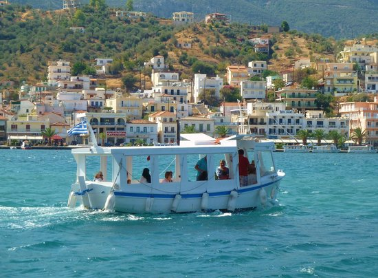 Xenia Poros Image Hotel: Little ferry boat to mainland from Poros