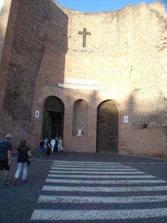 Basilica di Santa Maria degli Angeli e dei Martiri: OUTSIDE THE CHURCH.
