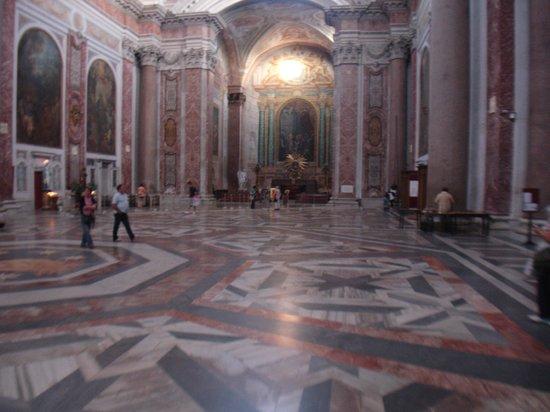 Basilica di Santa Maria degli Angeli e dei Martiri: INSIDE THE CHURCH.