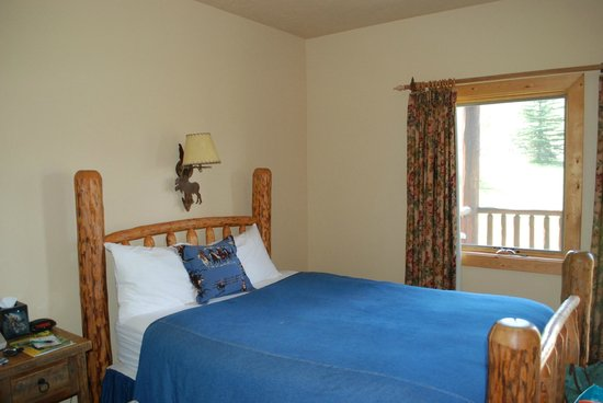 Daniels Summit Lodge: room