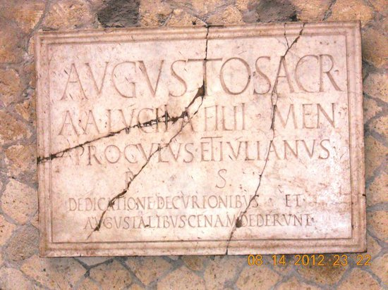 Ruins of Herculaneum: Plaque on wall