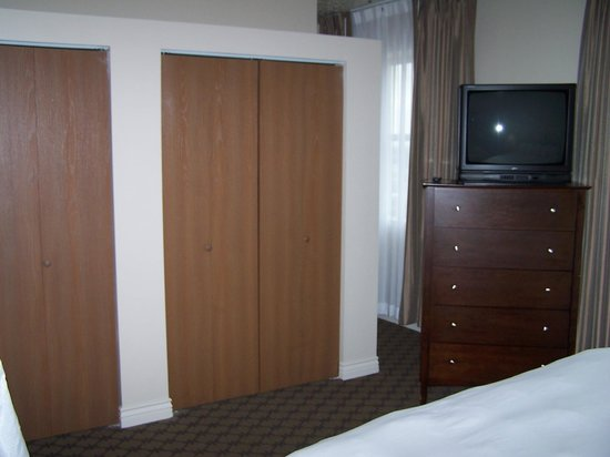 Ben Lomond Suites Historic Hotel, an Ascend Collection Hotel: Huge closets