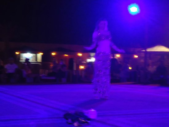 Arabian Team Adventures: belly dancing