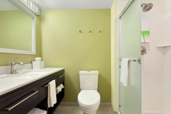 Home2 Suites by Hilton Pittsburgh / McCandless, PA: Bathroom