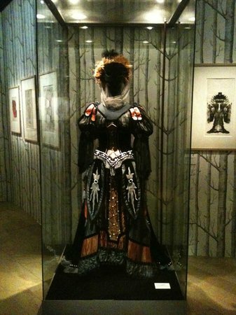 "Palais Garnier - Opéra National de Paris: A Queen of the Night costume from ""The Magic Flute"""