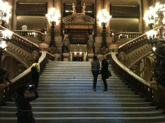 Palais Garnier - Opéra National de Paris: The grand staircase