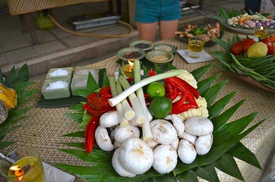 Paon Bali Cooking Class: fresh ingredients