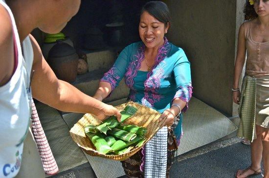 Paon Bali Cooking Class: tuna appetizers