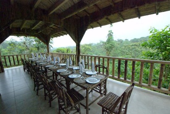 San Jorge de Milpe Eco-Lodge Orchid & Bird Reserve: Dining at NEW open air restaurant/bar