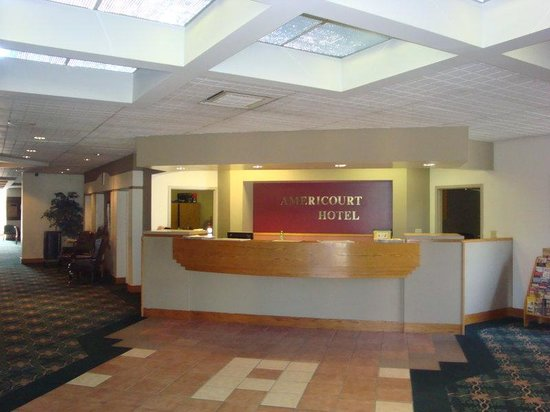 Americourt Hotel & Conference Center: Kingsport Walk In