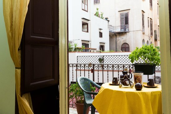 Dolce Dormire Palermo: balcone