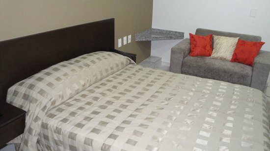 Hotel Apollo Inn Express: apartamento confortaveis ,tv,ar  ,internet wire less free ,frigobar