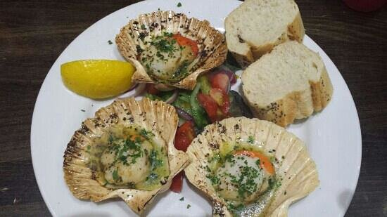 Simply Fish: scallops starter