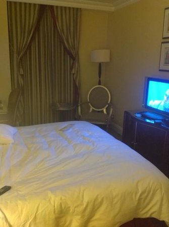Grosvenor House, A JW Marriott Hotel: the small room!