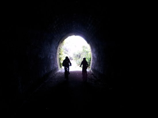 Mountain Bike Station: Disused train tunnel Old Coach Road ride