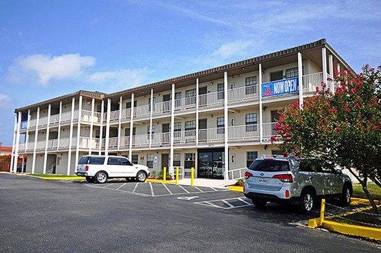 Studio 6 San Antonio Lackland Afb Tx Motel Reviews