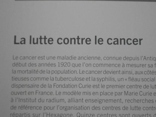 Musée Curie: Cartaz falando sobre a luta contra o câncer