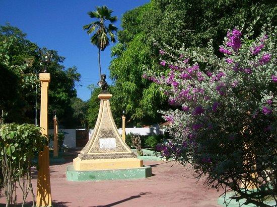 Cepe- Choroni: En la plazita de Pto Colombia