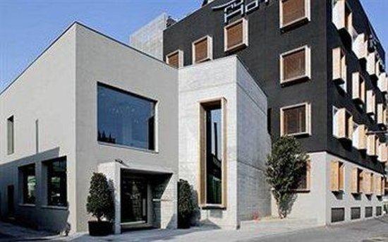 NU Hotel Milano: Exterior