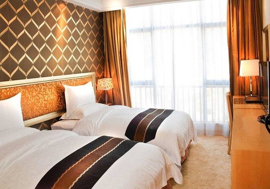 Nan Feng Business Hotel: Superior Twin Room