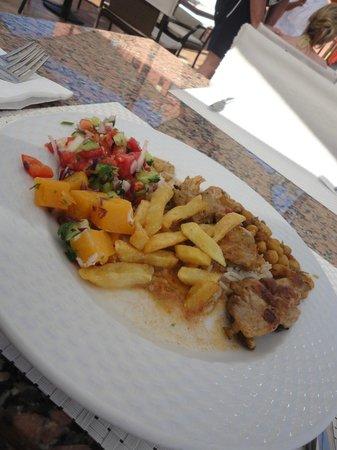 TUI Magic Life Sharm el Sheikh: Lunch from the main Magico restaurant buffet