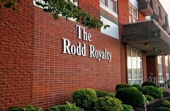 Rodd Royalty: Exterior