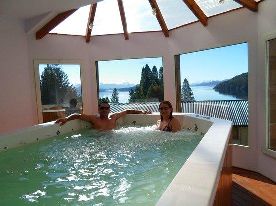 Altuen Hotel Suites&Spa: Banheira de hidro do hotel