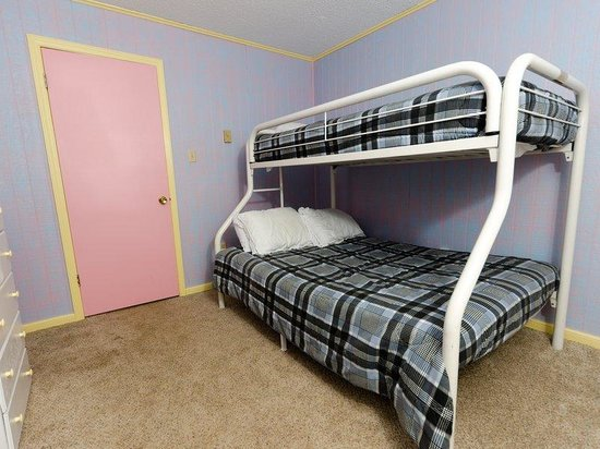 Leatherbark Condos: Leatherbark 3BR Bedroom3
