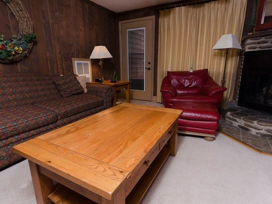 Treetop Townhomes : 2BR Standard