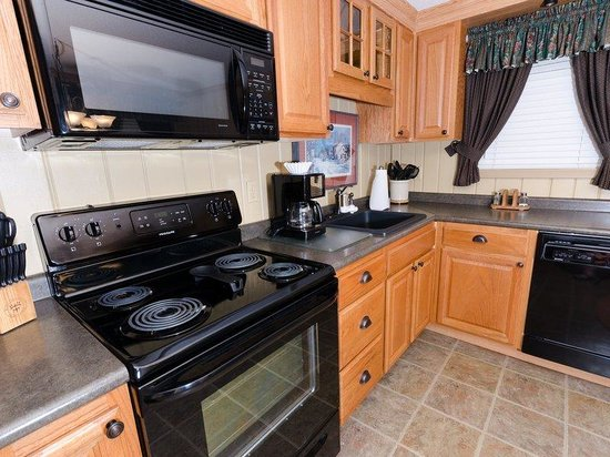 Treetop Townhomes: 2BR Standard Kitchen