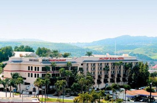 Hilltop Suites Hotel: Exterior Arial