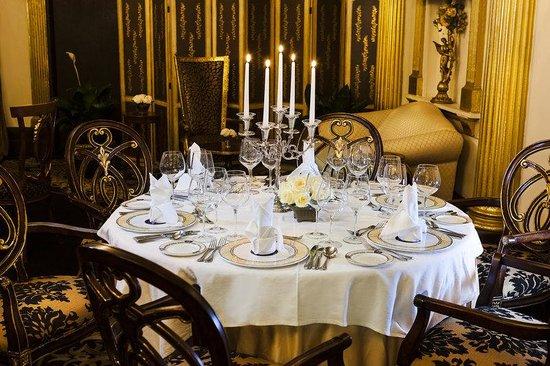 Terra Nova All Suite Hotel: Regency Restaurant