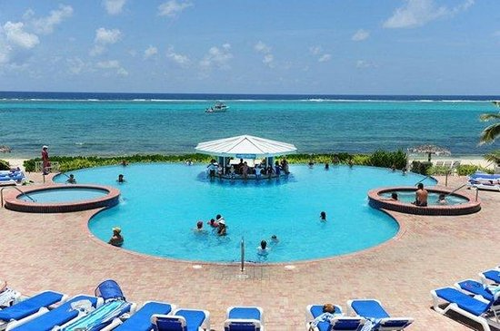 Morritts Tortuga Club and Resort: The Grand Pool
