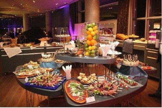Zira Hotel: Restaurant