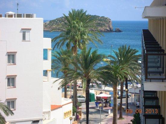 Caribe Ibiza Hotel: Vista de la playa desde la habitación