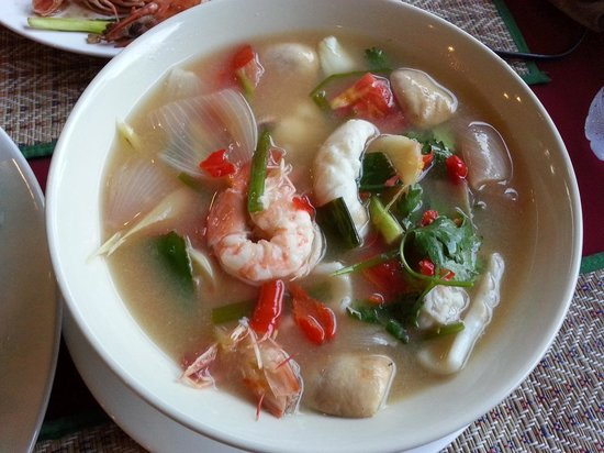 Cookies at Falang Paradise: Spicy Thai soup with prawns.