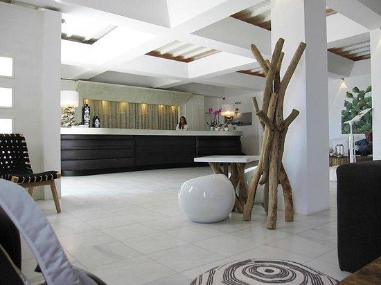 Myconian Ambassador Relais & Chateaux Hotel: Reception area