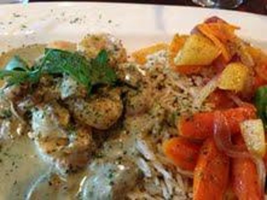 Bistro 33: Shrimp & Scallop Vermouth