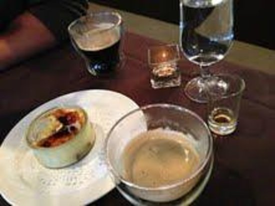 Bistro 33: Creme Brulee, espresso